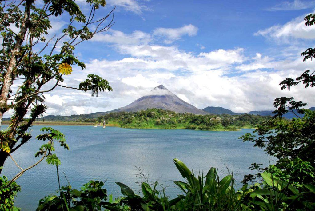 Costa-Rica-vulkan-redigeret