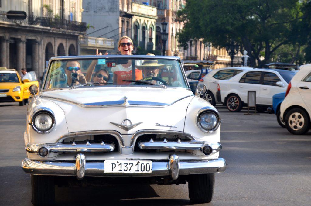 Cuba-Havana-byrundtur-i-åben-amerikanerbil