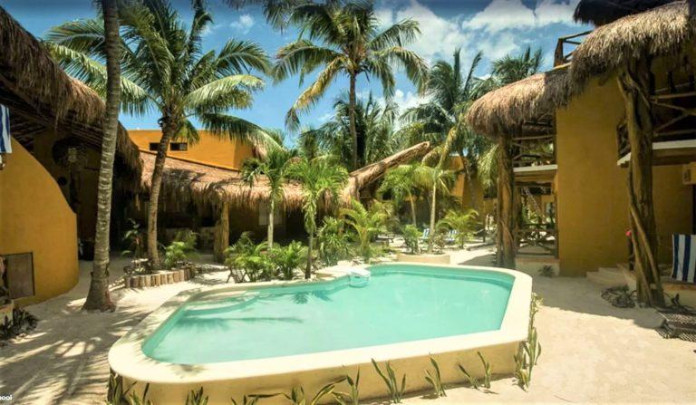 Bo på hotel i Isla de Holbox med poolen lige udenfor døren