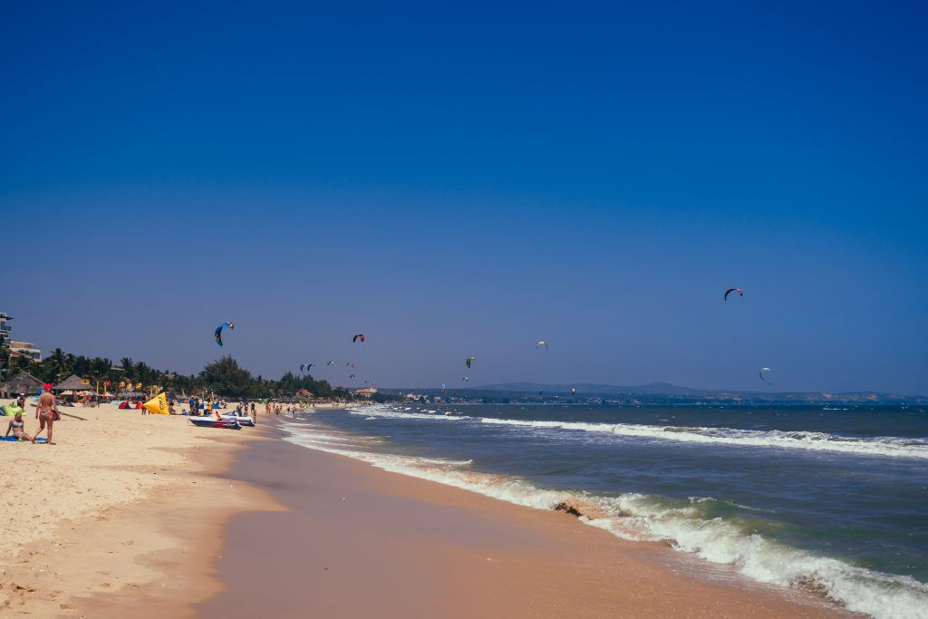 På en rejse til Vietnam kan du opleve lækre strande ved Mui Ne