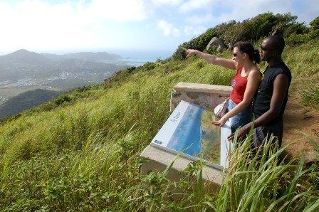 St. Martin/St. Maarten har også grøn og frodig natur inde på øen