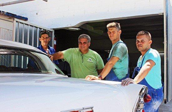 Cuba-Vetranbil-værksted-Havana-carros-clasicos