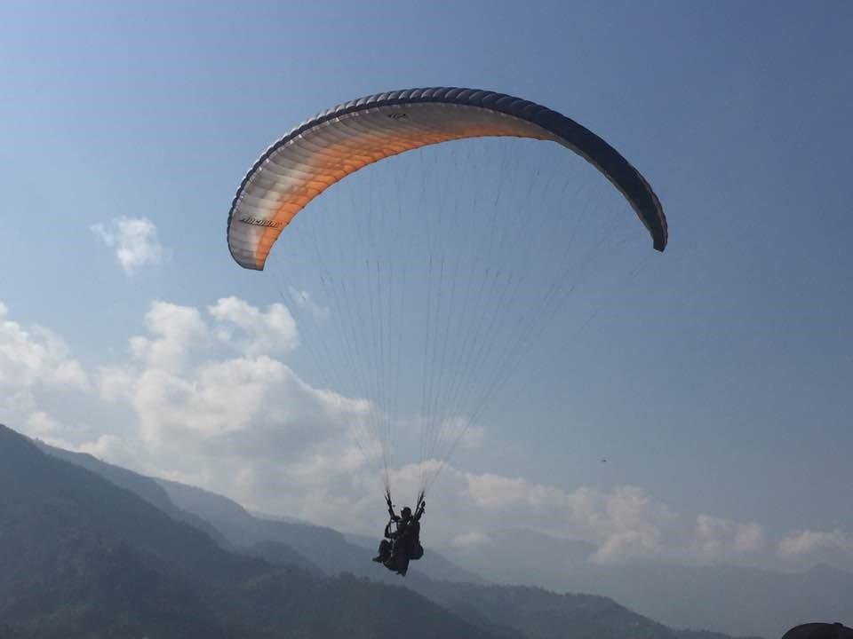 Lillian-paragliding