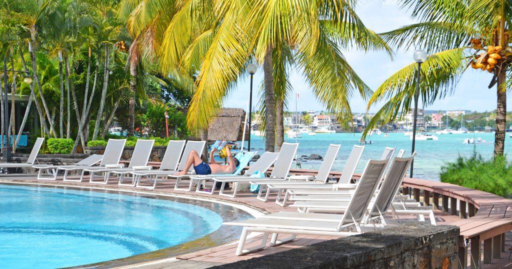 Svane Rejser's hoteller i Mauritius - Pool på Grand-Baie