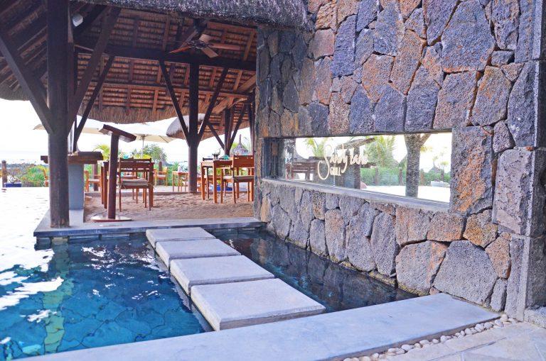 OK-Mauritius-GrandBaie-Rest-med-sand-på-gulv