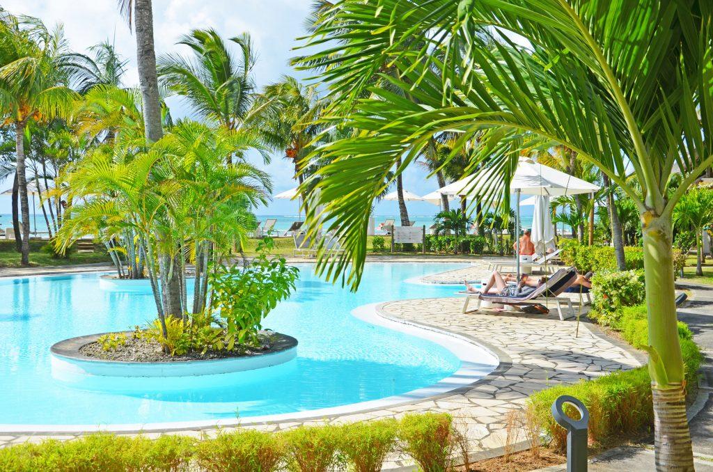 Svane Rejser's hoteller i Mauritius - Poolområde på Paul et Virginie