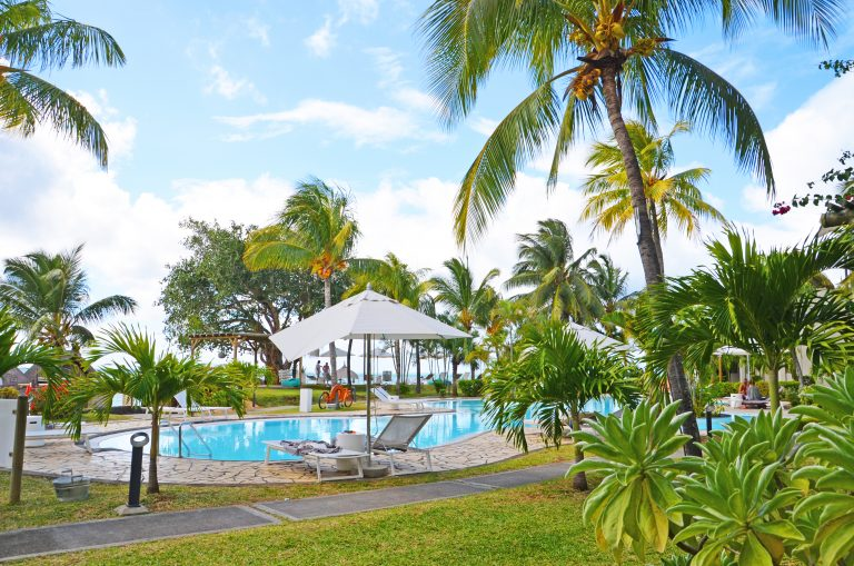 OK-Mauritius-Hotel-Paul-et-Virginie-Pool-med-palmer