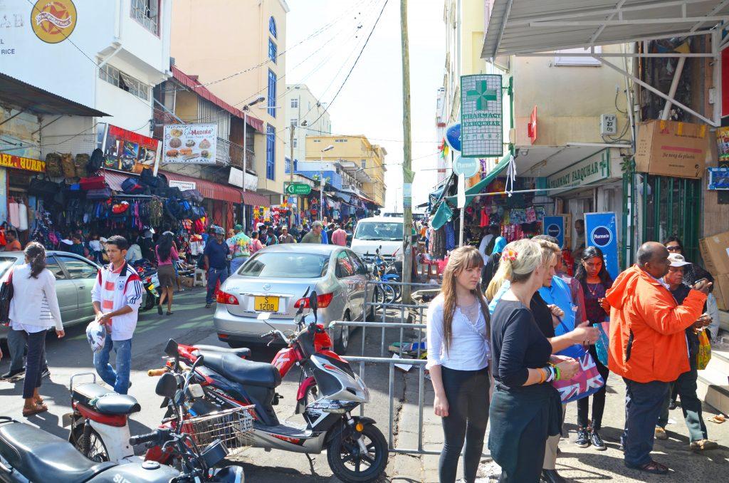 Du kan lave andre ting på din badeferie til Mauritius. Se hovedstaden Port Louis