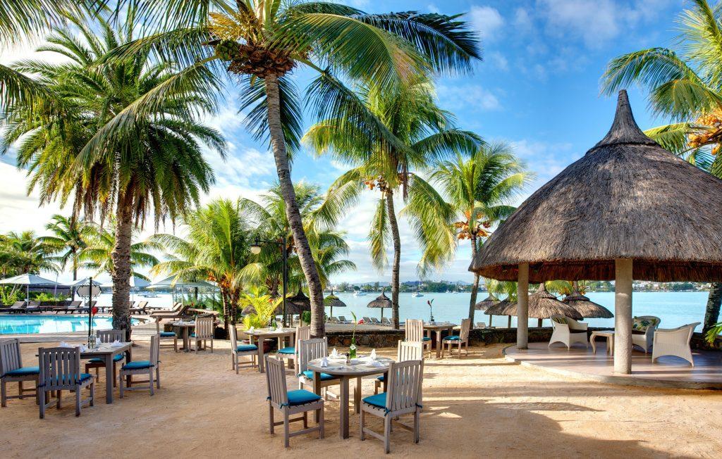 Hotel Grand-Baie på Mauritius har både dejlig pool og restaurant
