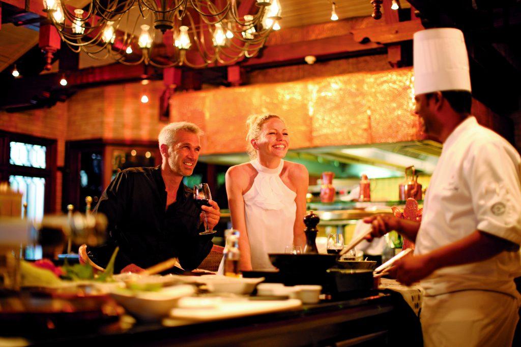 På strandferie i Mauritius er der for noget for alle, når du spiser middag