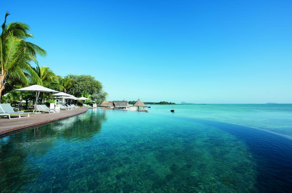 Hotel Paul & Virginie har prima udsigt over det flotte turkis hav