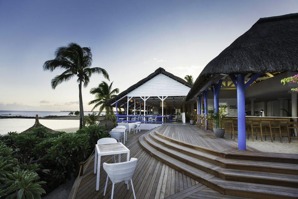 Hotel Pointes-aux Biches har barer lige ud til stranden