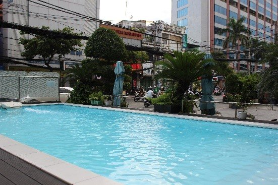 Pool-på-hotel