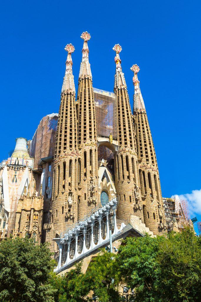 På denne vandreferie for singler til Costa Brava ser du Sagrada Familia i Barcelona