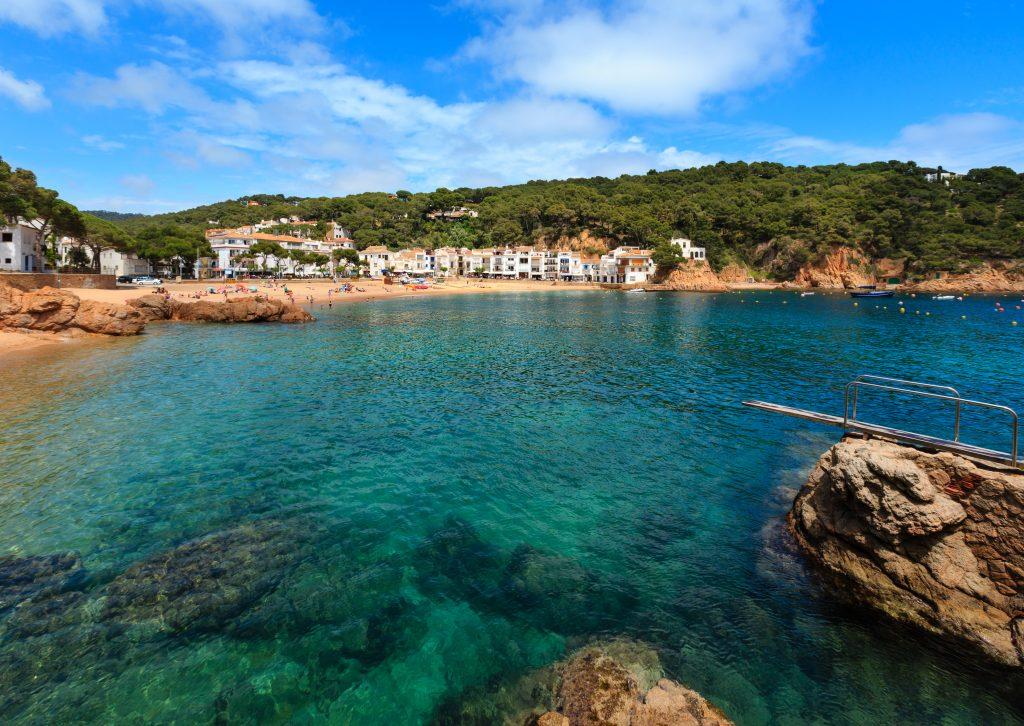 På denne vandreferie for singler til Costa Brava ser du Tamariu