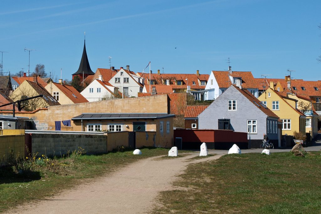 På rejser til Bornholm skal du se smukke Svaneke