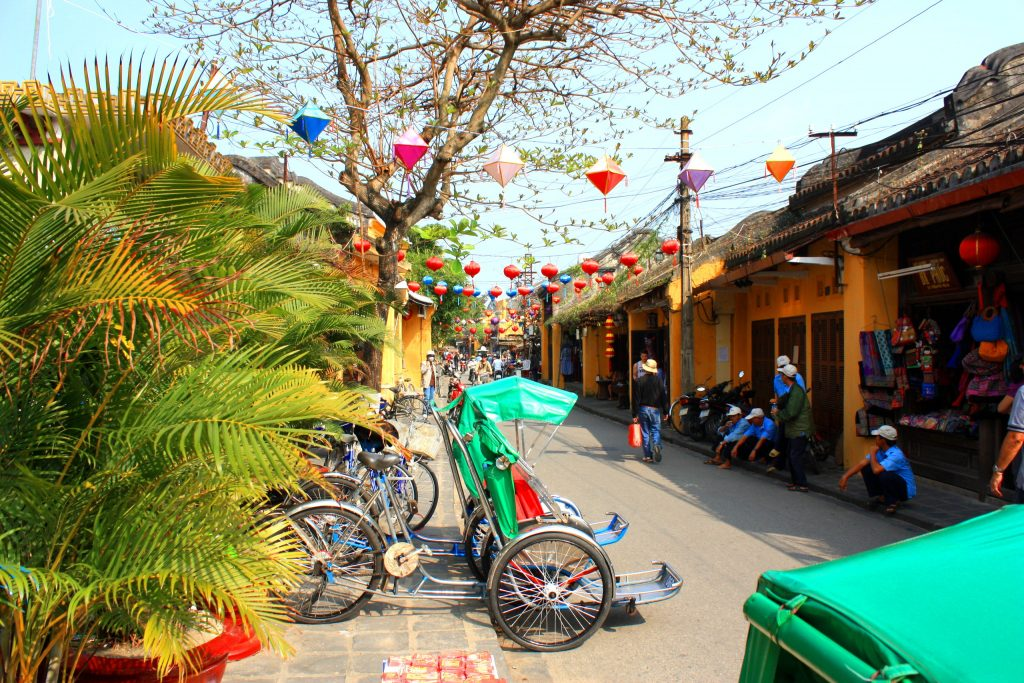På rundrejse i Vietnam for singler ser vi også Hoi An