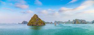 På din rundrejse i Vietnam ser du blandt andet smukke Halong Bay