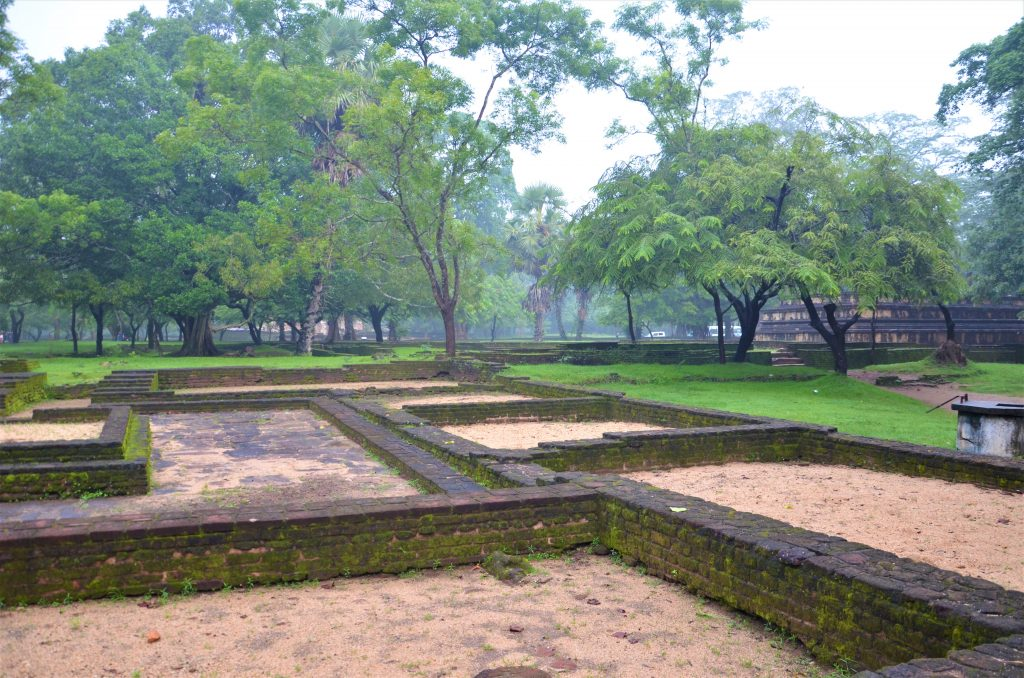 På en rejse til Sri Lanka ser du også kongebyen Polonnaruwa