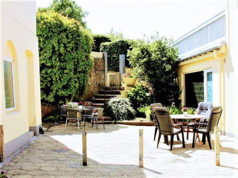 Nordvig bed&breakfast på Bornholm har en hyggelig gårdhave