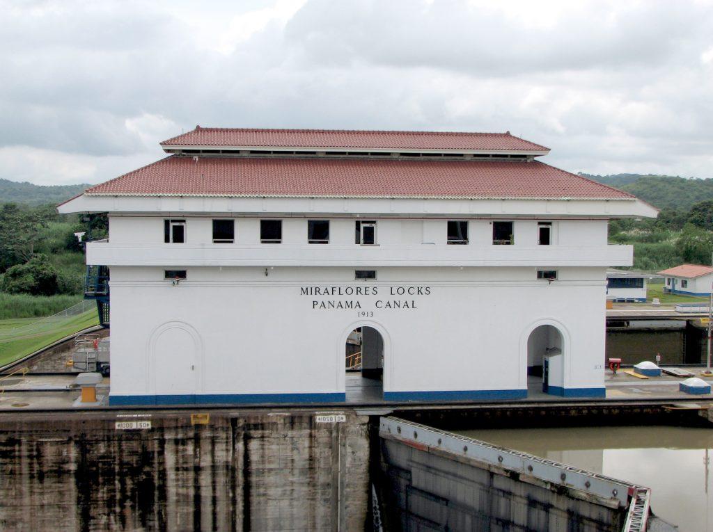 På en rejse til Panama ser du også Panama-kanalens Miraflores-sluse