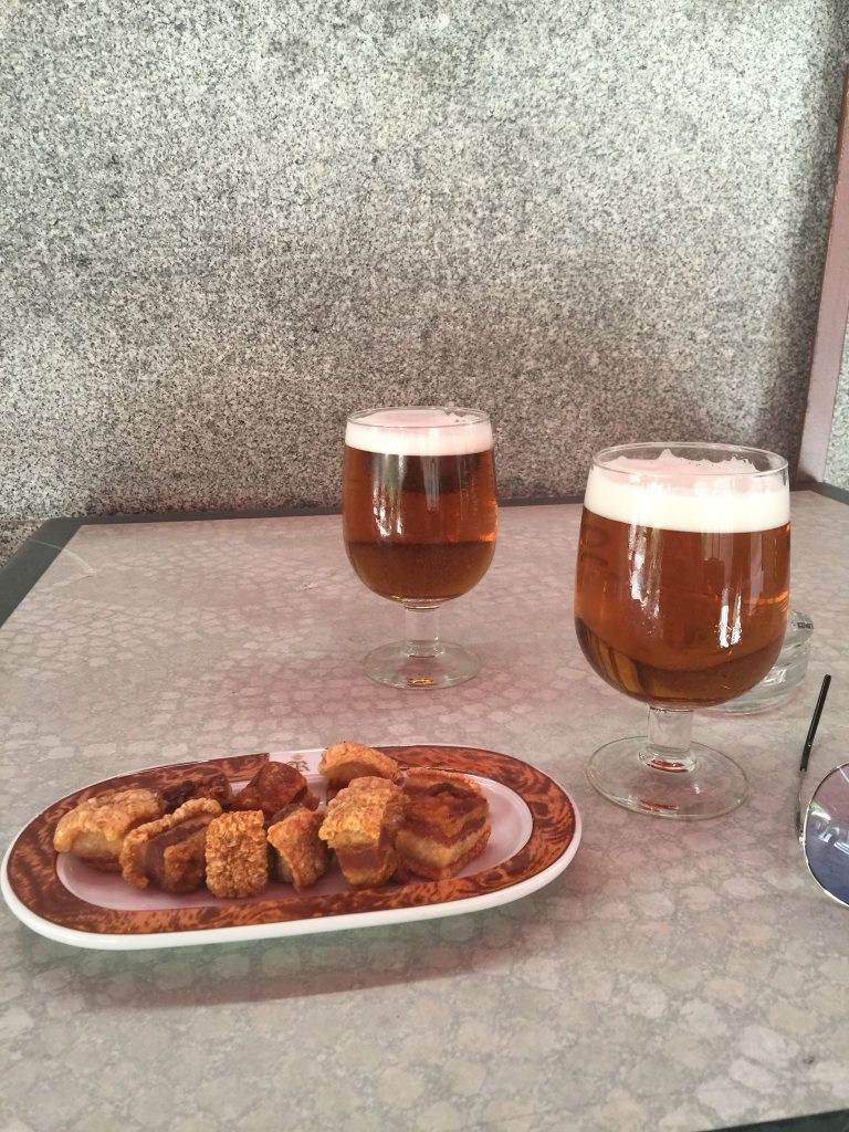 To øl på et bord, tre forløsende ord