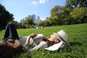 På en rejse til en storby kan du slappe af i en bypark