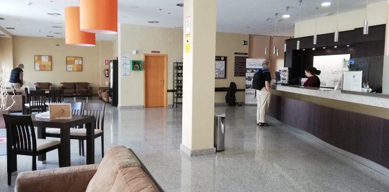 almunecar-spanien-byen-lobby-reception