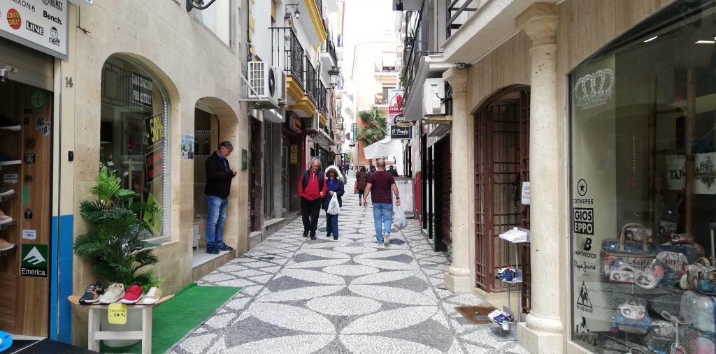 Spanien-Almuñecar-bygade