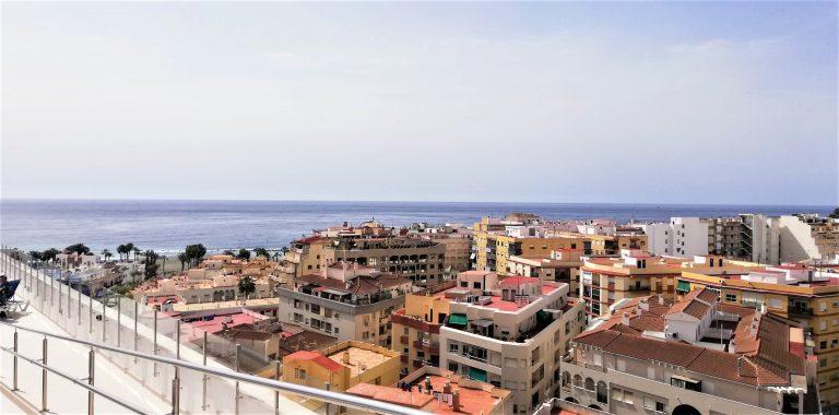 På singlerejse til Almuñecar bor du på Hotel Bahia Almuñecar