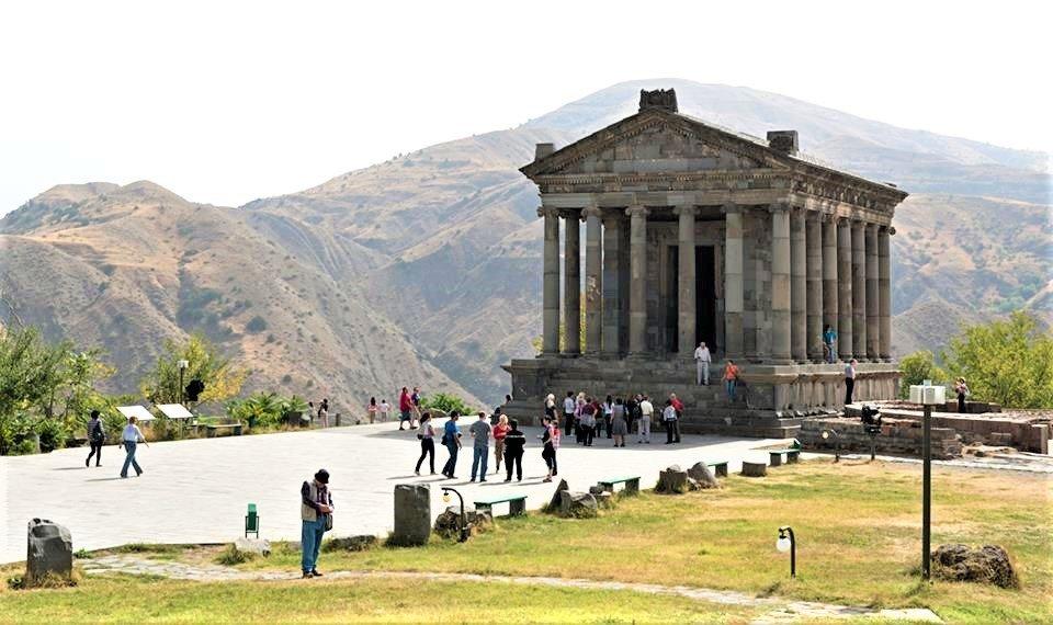 På rejser til Armenien ser du også Garni-templet