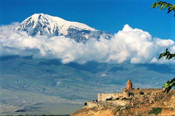 På rejser til Armenien ser du også Khor Virap-klostret