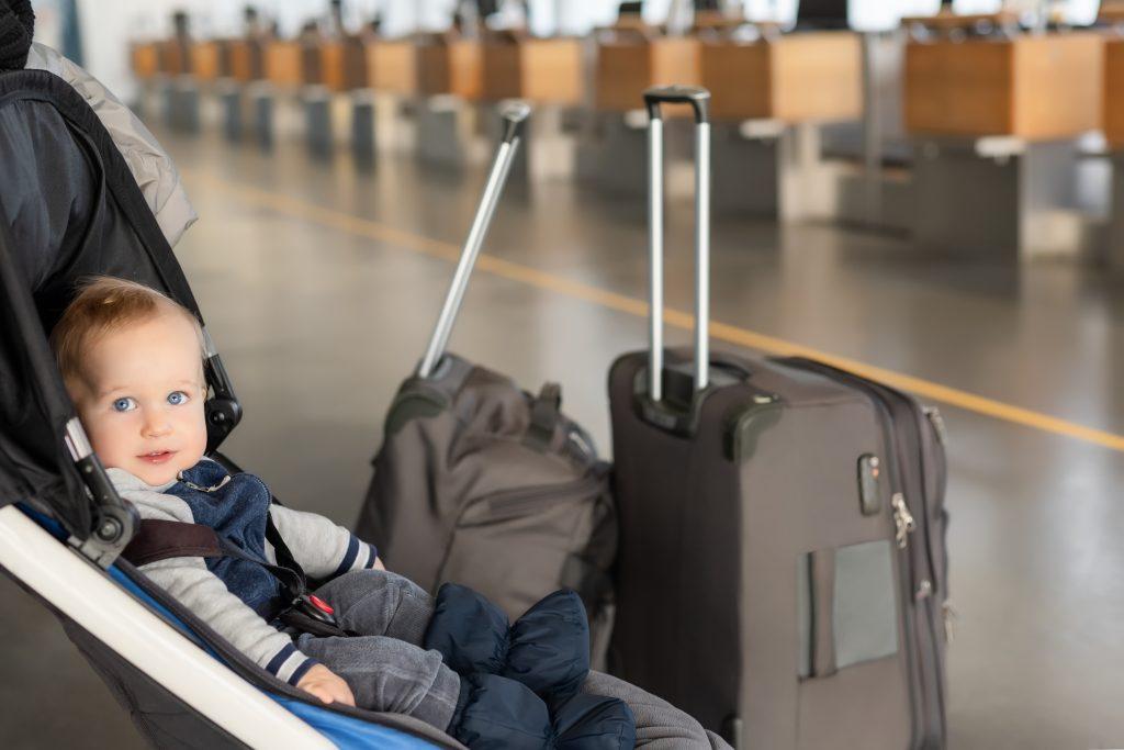 Her kan du få gode råd om at rejse med små børn
