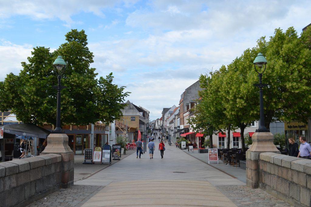På en ferie i Vejle ser du den smukke gågade
