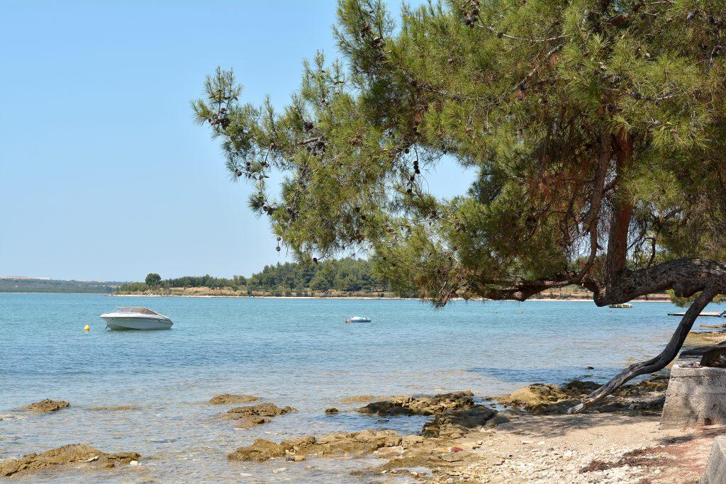 På en rejse til Medulin i Istrien i Kroatien kan du nyde sandstrande