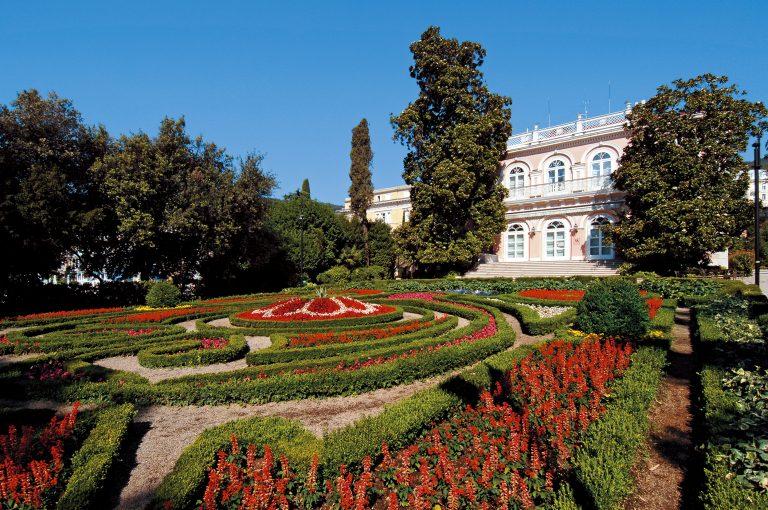 På en rejse til Kroatien bør du se Opatija