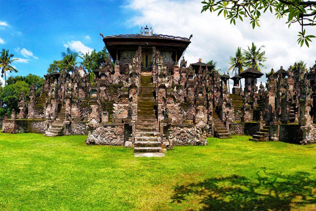 På rejser til Bali ser du templet Pura Beji Sangsit