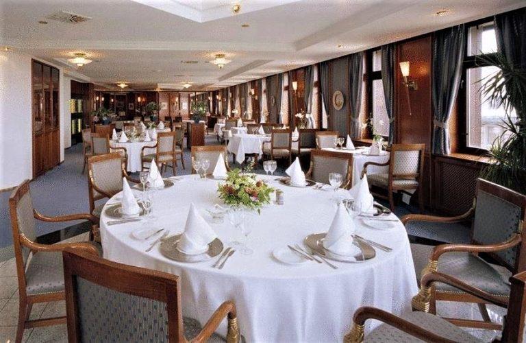 På en rejse til Riga bor du på 4-stjernede Hotel Roma