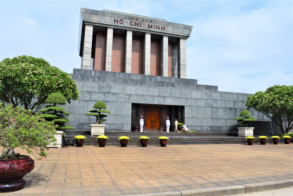 På en rejse til Vietnam kan du se monumenter