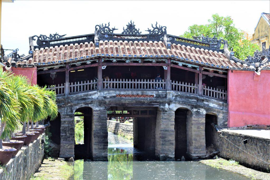 På en rejse til Vietnam kan du se smukke Hoi An