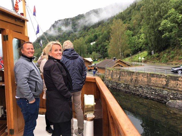 På en rejse til Dalen sejler du med MS Henrik Ibsen