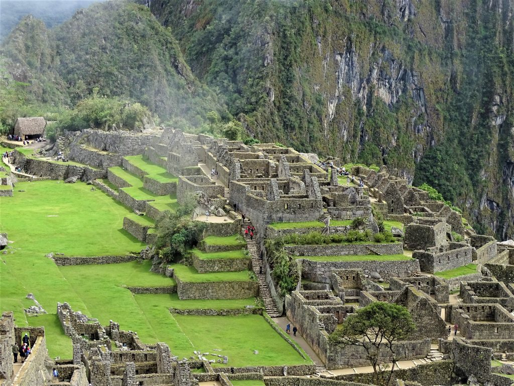 På rejser til Peru skal du se smukke Machu Picchu