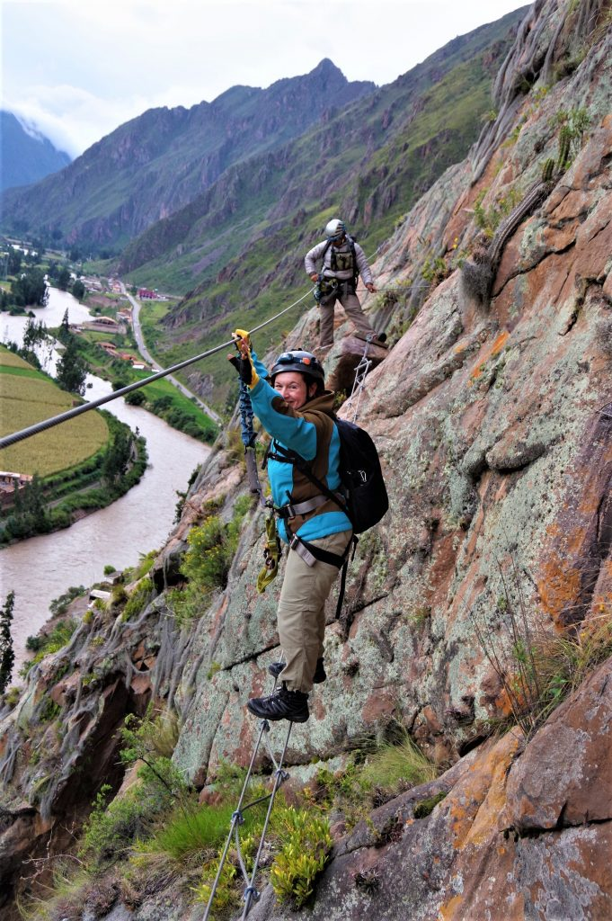 På rejser til Peru kan du opleve adrenalin i bjergene