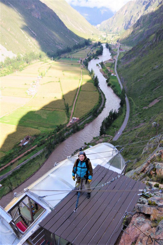 På rejser til Peru kan du overnatte på et bjerg i en glaskube