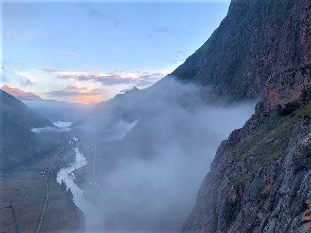 På rejser til Peru kan du overnatte på et bjerg i en glaskabine