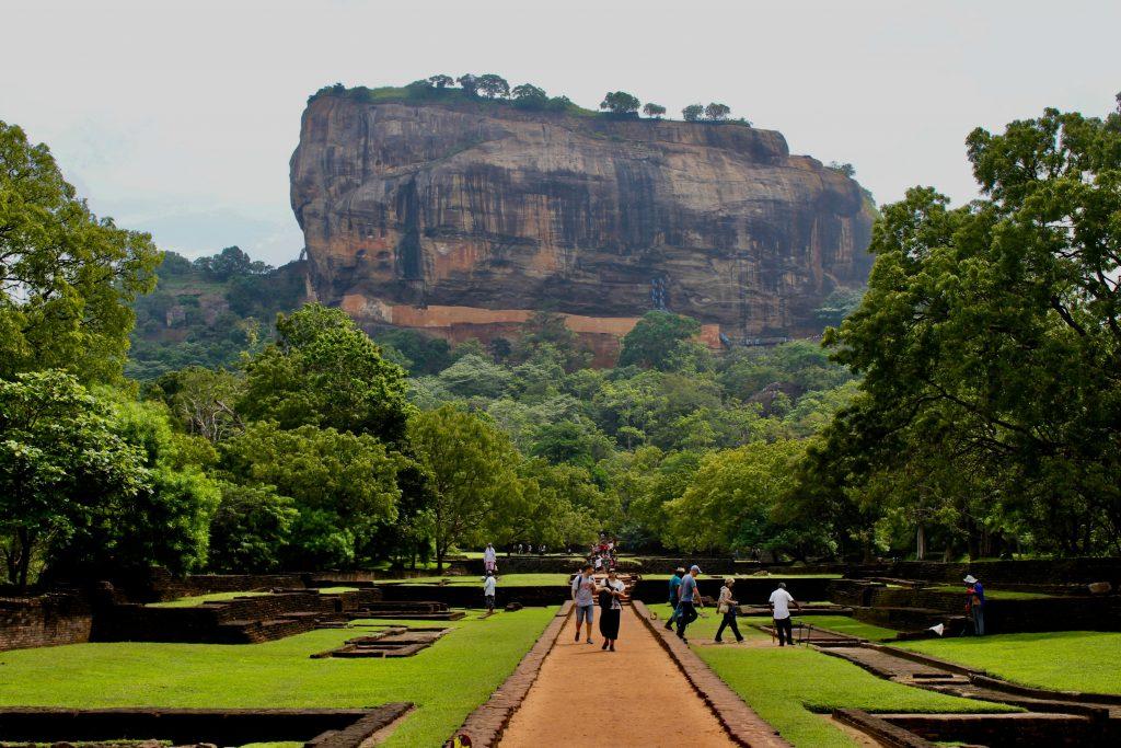 På en rejse til Sri Lanka oplever i Sigiriya Rock