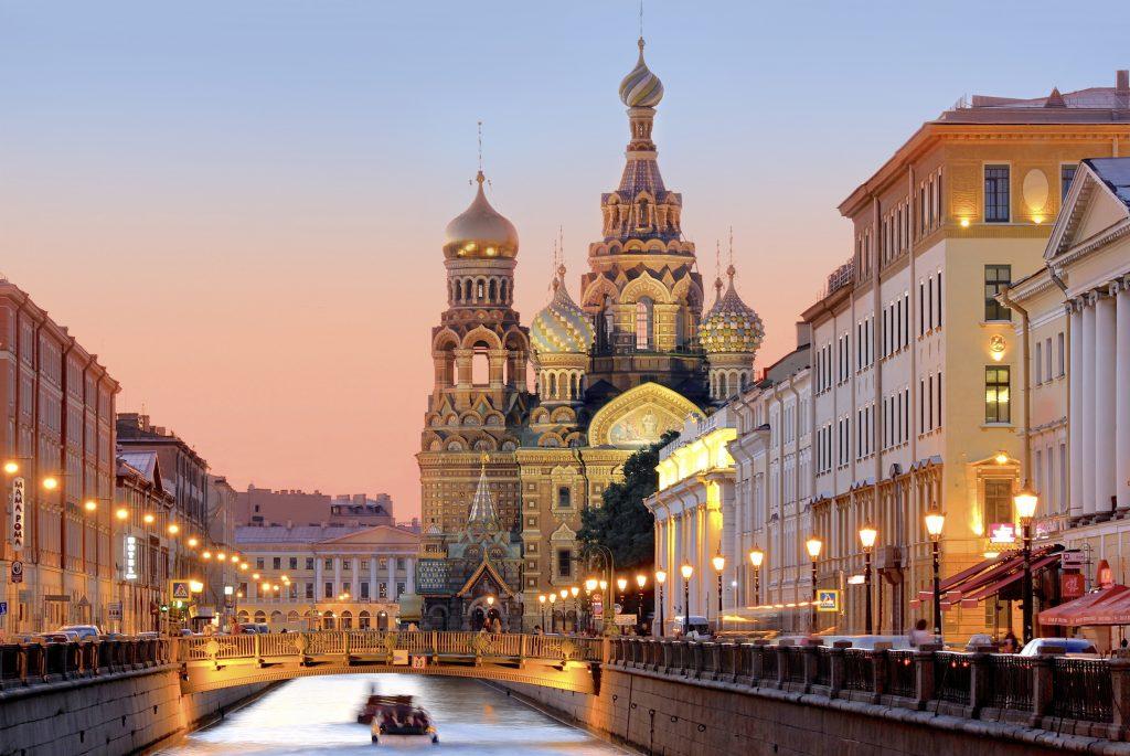 På en rejse til Sankt Petersborg skal du se Blodskirken