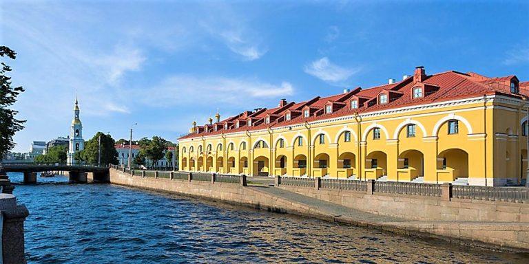 På en rejse til Sankt Petersborg bor du på Hotel Holiday Inn Express