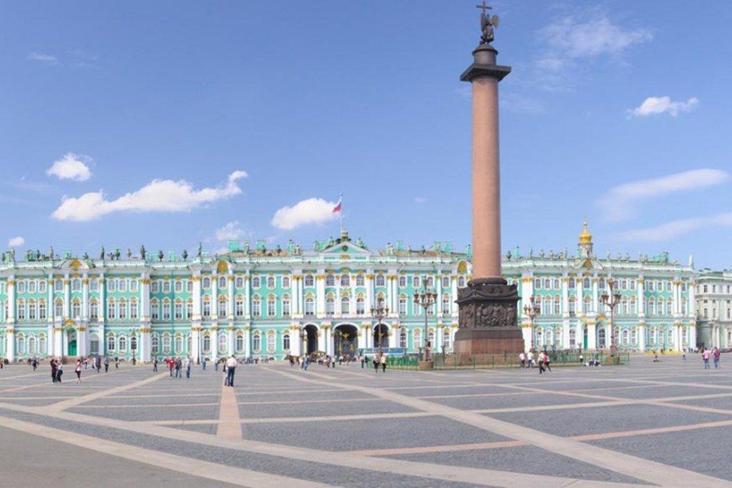 På en rejse til Sankt Petersborg skal du se Vinterpaladset